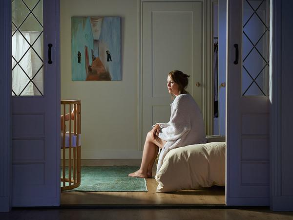 Judith Minks , Moments in time   Scene 1 - fine art print on dibond floating, framed 66 x 110 cm.