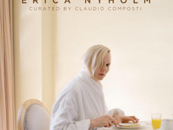 Erica Nyholm, La quarta parete