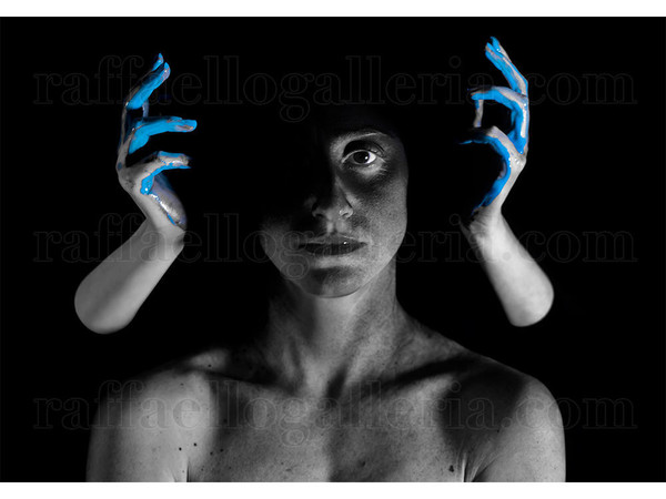 Marco Bennici, Liquid-A #16 Light Blue, 70x100 cm, stampa diretta su alluminio dibond, 2019, XX esemplari