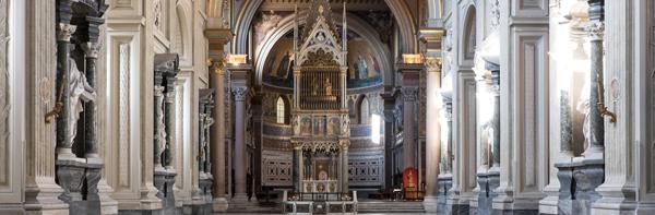 La navata centrale della basilica San Giovanni in Laterano