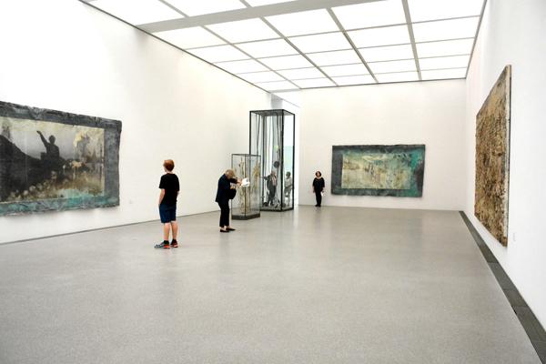 La sala dedicata ad Anselm Kiefer presso la Pinakothek der Moderne | Foto: Giorgia Bombino © ARTE.it 2017